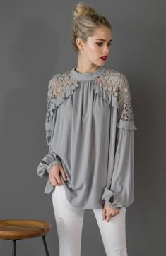 Kaylas Armoire Lace shoulder Blouse Source by modishonline de moda Blouse Styles, Blouse Designs, Hijab Fashion, Fashion Dresses, Fashion Fashion, Designs For Dresses, Crochet Blouse, Sleeve Designs, Blouses For Women