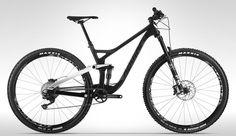 2017 Devinci Django Carbon 29 SLX / XT  2017 Devinci Django Carbon 29 SLX / XT (Gloss Black/White)