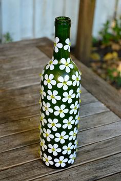 Items similar to Green Floral Jeweled Upcycled Decorative Glass Bottle on Etsy Painted Glass Bottles, Glass Bottle Crafts, Wine Bottle Art, Diy Bottle, Painted Jars, Decorated Bottles, Glass Painting Designs, Jar Art, Bottle Painting
