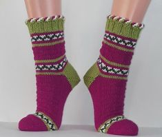Strümpfe Wollsocken Kuschelsocken Damensocken handgestrickt 40 | Etsy Knit Socks, Knitting Socks, Mittens, Knitting Patterns, Trending Outfits, Unique Jewelry, Handmade Gifts, Accessories, Clothes