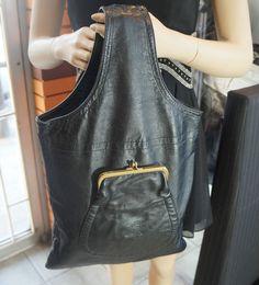 BONNIE CASHIN Black Leather Cashin Carry Flat Kisslock Bag RARE Sills & Co Plaid #BONNIECASHINforSills #CashinCarryTote