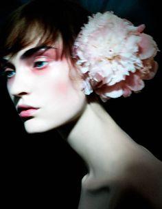 Photographer Justin Cooper for Harpers Bazaar Magazine Beauty Make Up, Hair Beauty, Ciel Rose, Foto Fashion, Men Fashion, Fashion Design, Photo Awards, Fashion Advertising, Cg Art
