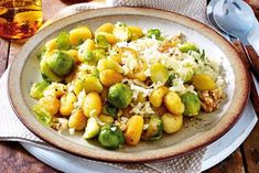 Our popular recipe for Brussels sprouts-gnocchi-pan and over more free recipes on LECKER. No Carb Recipes, Carrot Recipes, Greek Recipes, Vegetarian Recipes, Healthy Recipes, Comida India, India Food, Popular Recipes, Cilantro