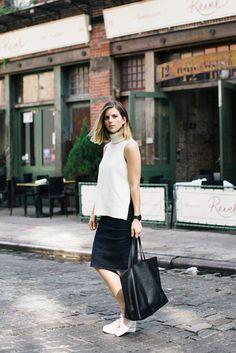 fe8d0aa16e82 Style Spotlight  Take Aim — Bloglovin —the blog Legere Arbeitskleidung,  Zeitlose Mode