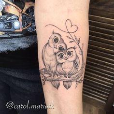 new school owl tattoo design Baby Owl Tattoos, Cute Owl Tattoo, Owl Tattoo Small, Mom Tattoos, Trendy Tattoos, Animal Tattoos, Small Tattoos, Sleeve Tattoos, Tatoos