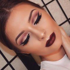 winged eyeliner and a vampy lip #fallmakeup