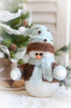 Frosty the Snowman's Little Brother Needle by thefeltedcottage