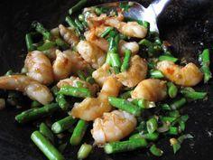 Shrimp and Asparagus Stir-Fry   Laura b. Russell