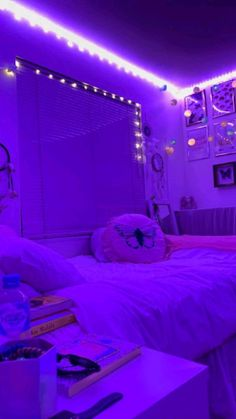 Neon Bedroom, Cute Bedroom Decor, Bedroom Decor For Teen Girls, Room Design Bedroom, Room Ideas Bedroom, Bedroom Ideas Purple, Neon Lights Bedroom, Room Lights Decor, Galaxy Bedroom