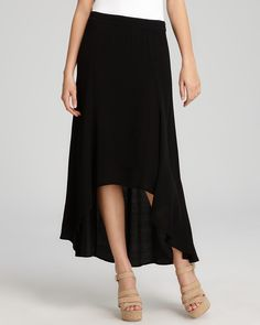 high/low hemline.>>want a high low skirt and dress!! Summer time!!