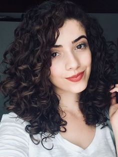 Trendy haircut medium curly hair shoulder length – Hair is art 3a Curly Hair, Haircuts For Wavy Hair, Curly Hair Routine, Curly Girl, Medium Curly Haircuts, Naturally Curly Haircuts, Medium Curly Bob, Curly Short, Long Haircuts