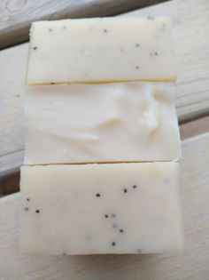 Mleczne shea czyli mydło kremowe Natural Cosmetics, Healthy Baking, Diy And Crafts, Beauty Hacks, Food And Drink, Soap, Candles, Perfume, Handmade