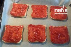 Pratik Şipşak Tost Pizzası 2 Pizza, Sugar, Cookies, Desserts, Food, Crack Crackers, Tailgate Desserts, Deserts, Biscuits