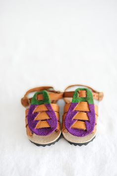 Have you seen Humble Hilo's baby sandals yet? All of the sandals are individually handmade and handcrafted. On most of the sandals they only have one of each style and are one of a kind. Humble Hilo works in behalf of a humanitarian organization to provide support by creating job opportunities and giving back a …