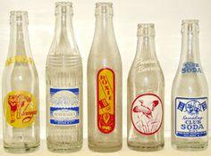 VINTAGE 1960s BOTTOMS UP BEVERAGES 8OZ SODA COLA BOTTLE