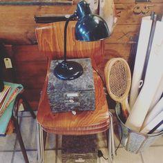 En masse skønne ting samlet på bare et billed!  Stol - 700kr pr stk Bordlampe H44 - 2100kr Arkiv æsker - 175kr pr stk  Olivenspande - 475kr pr stk  Gamle ketsjere - 275kr pr stk #old #oldkbh #vintage #furniture #vintagefurniture #homedecor #recycle #genbrug #interior #interiør #copenhagen #københavn #nørrefarimagsgade53 by oldkbh