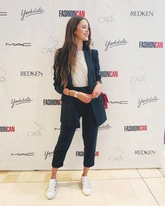 "Polubienia: 799, komentarze: 42 – Valeria Lipovetsky (@valerialipovetsky) na Instagramie: ""Had a blast at the #FASHIONCAN with @redkencanada ❤️ thank you for having me. So great to see local…"""