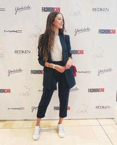 "Polubienia: 799, komentarze: 42 – Valeria Lipovetsky (@valerialipovetsky) na Instagramie: ""Had a blast at the #FASHIONCAN with @redkencanada ❤️ thank you for having me. So great to see local…"""