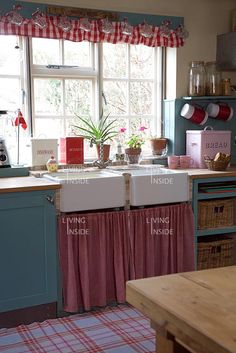 18 Best Pretty Red And Blue Kitchens Images Vintage Kitchen Retro