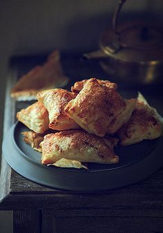 Pineapple, cinnamon and puff pastry