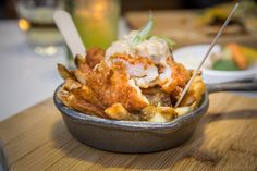 The best late night poutine in Toronto showcases the ultimate comfort food in its best light - after dark. Long past midnight and once fortified wi. Cajun Recipes, Italian Recipes, Food Stall, Poutine, Time To Eat, Fish And Chips, Southern Recipes, Food Plating, Food Truck