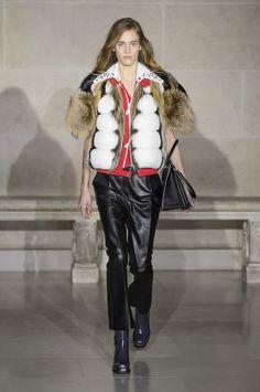 Louis Vuitton Fall 2017 Fashion Show - The Impression, Fashion News