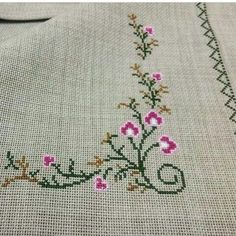 1 million+ Stunning Free Images to Use Anywhere Cross Stitch Rose, Cross Stitch Borders, Cross Stitch Flowers, Cross Stitch Designs, Cross Stitching, Cross Stitch Embroidery, Hand Embroidery, Cross Stitch Patterns, Floral Embroidery