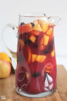 Family Friendly Sang Family Friendly Sangria a non-alcoholic. Family Friendly Sang Family Friendly Sangria a non-alcoholic festive fruity drink perfect for the holiday season! Party Drinks, Cocktail Drinks, Fun Drinks, Healthy Drinks, Mixed Drinks, Healthy Recipes, Healthy Food, Nutrition Drinks, Fast Recipes