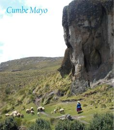 Formaciones rocosas en Cumbe Mayo, en las alturas de Cajamarca, Perú.