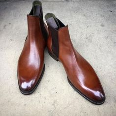 """Gaziano & Girling - Bespoke & Benchmade Footwear - An ideal balance of dapper and rugged. The """"Burnham"""" boot in chestnut hatch grain leather on the DG 70 last. Made to Order with wensum rubber soles and green lining. Mens Shoes Boots, Mens Boots Fashion, Leather Shoes, Men's Shoes, Shoe Boots, Dress Shoes, Suit Shoes, Der Gentleman, Dress With Boots"""