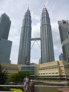 #PetronasTower In #KualaLumpur. Hier geht es zum Reisebericht aus #Malaysia http://www.unterwegz.com/weltreise-malaysia-tag-85-92/