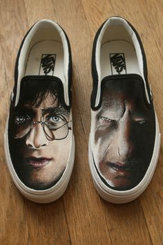 These shoes are hand-painted...wowzas!