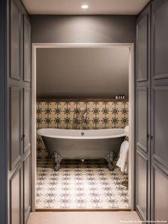 egerton-house-england-the-star-bathroom