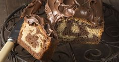 Chocolate hazelnut marble cake by Greek chef Akis Petretzikis. A beautiful, tasty marble cake served with a delicious homemade hazelnut chocolate praline sauce! Raw Food Recipes, Sweet Recipes, Snack Recipes, Snacks, Marble Cake Recipes, Greek Sweets, Processed Sugar, Bread Cake, Cake Servings