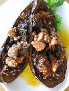 Nistisima Papoutsakia/Eggplants Stuffed with Tomato, Onion and Walnuts