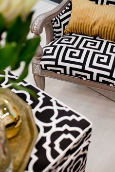 Cape HOMEMAKERS Expo 2014 | Black & White Chair
