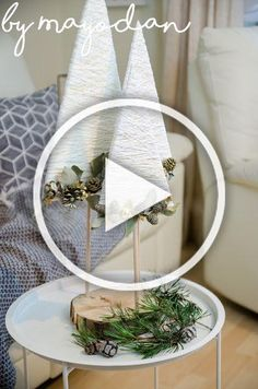 DIY Christmas trees made of plywood, wool and gold thread, Christmas Fabric Crafts, Christmas Tree Themes, Diy Christmas Gifts, Holiday Crafts, Christmas Signs, Christmas Wreaths, Diy Christmas Videos, Dollar Tree Crafts, Diy Crafts To Sell