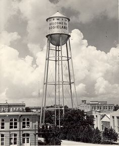 Original TAMU water tower Courtesy Texas AM University Libraries. Aggie Game, Aggie Football, Texas Pride, Texas A&m, College Station Texas, Bryan College, Texas History, Water Tower, 3 D