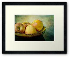 """Apples for Philéa"" by Thierry Wojtczak. Avalaible for sale at http://www.redbubble.com/people/thierrywojtczak/shop"