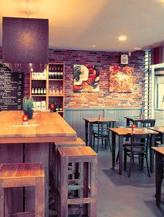 Luno kitchen is een eet- en drinkgelegenheid zoals die in Hilversum en omstreken nog niet bestaat. De keuken kenmerkt zich door echte, eerlijke smaken en huiselijke, ongecompliceerde gerechten. Vers en zonder onnodige opsmuk of andere toevoegingen bereid. Luno is te vinden aan de Kerkstraat 63-1 (Kerkbrink).