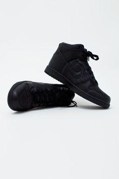 pretty nice 4d9a2 36e86 Kim Possible shoes Svarta Sneakers, Skor Sneakers, Sneakers Mode, Modeskor,  Nike Dunks