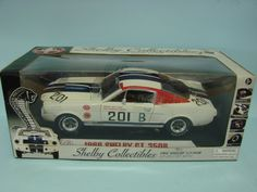 Cobra Shelby Collectibles 1966 Shelby GT350R 1/18 Die Cast Metal Replica Car 201 B NEW
