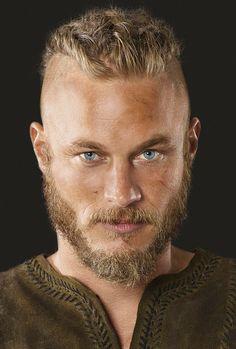 Ragnar on Vikings, Travis Fimmel Viking Men, Viking Hair, Viking Life, Viking Warrior, Viking Shop, Ragnar Lothbrok Vikings, Ragnar Lothbrook, Ragnar Hair, Roi Ragnar