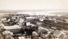 Panoramic view of Sydney, looking north-east across Macquarie Street towards Fort Denison Sydney City, Historical Images, Historic Homes, Cool Eyes, Old Photos, Paris Skyline, Past, Australia, History
