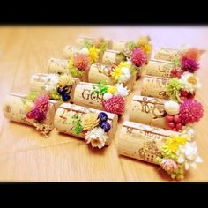 席札♡コルク Wedding Place Cards, Wedding Paper, Diy Wedding, Wedding Flowers, Wine Cork Wedding, Wedding Greetings, Tapas, Wine Cork Crafts, How To Preserve Flowers