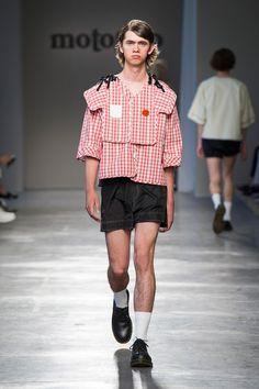Moto Guo showed its Spring/Summer 2017 collection during Milan Fashion Week.