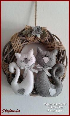 Quest& è iniziato con le ghirlande che mi sono state ordinate & Sewing Art, Sewing Crafts, Sewing Projects, Felt Christmas, Christmas Crafts, Christmas Ornaments, Wreath Crafts, Diy Wreath, Toy Craft