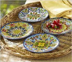 Google Image Result for http://cdn.sheknows.com/articles/2012/05/cool-outdoor-dinnerware-prints.jpg