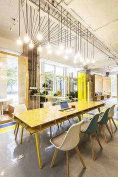 MAT office creates flexible coworking space in beijing – Cool Office Space Creative Office Space, Office Space Design, Office Interior Design, Office Interiors, Office Designs, Creative Area, Working Space Design, University Interior Design, Interior Designing