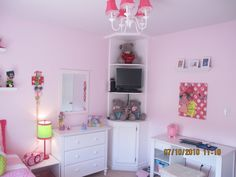 the corner shelf...Amelia's room?